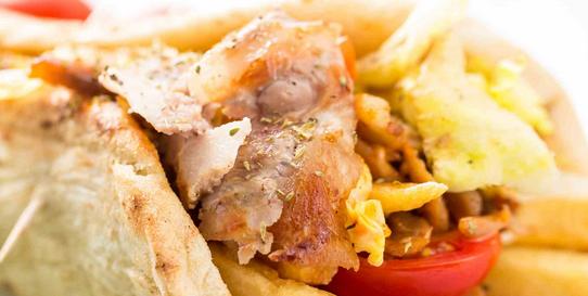 Pita Giros (Vlees met Griekse pita broodjes)